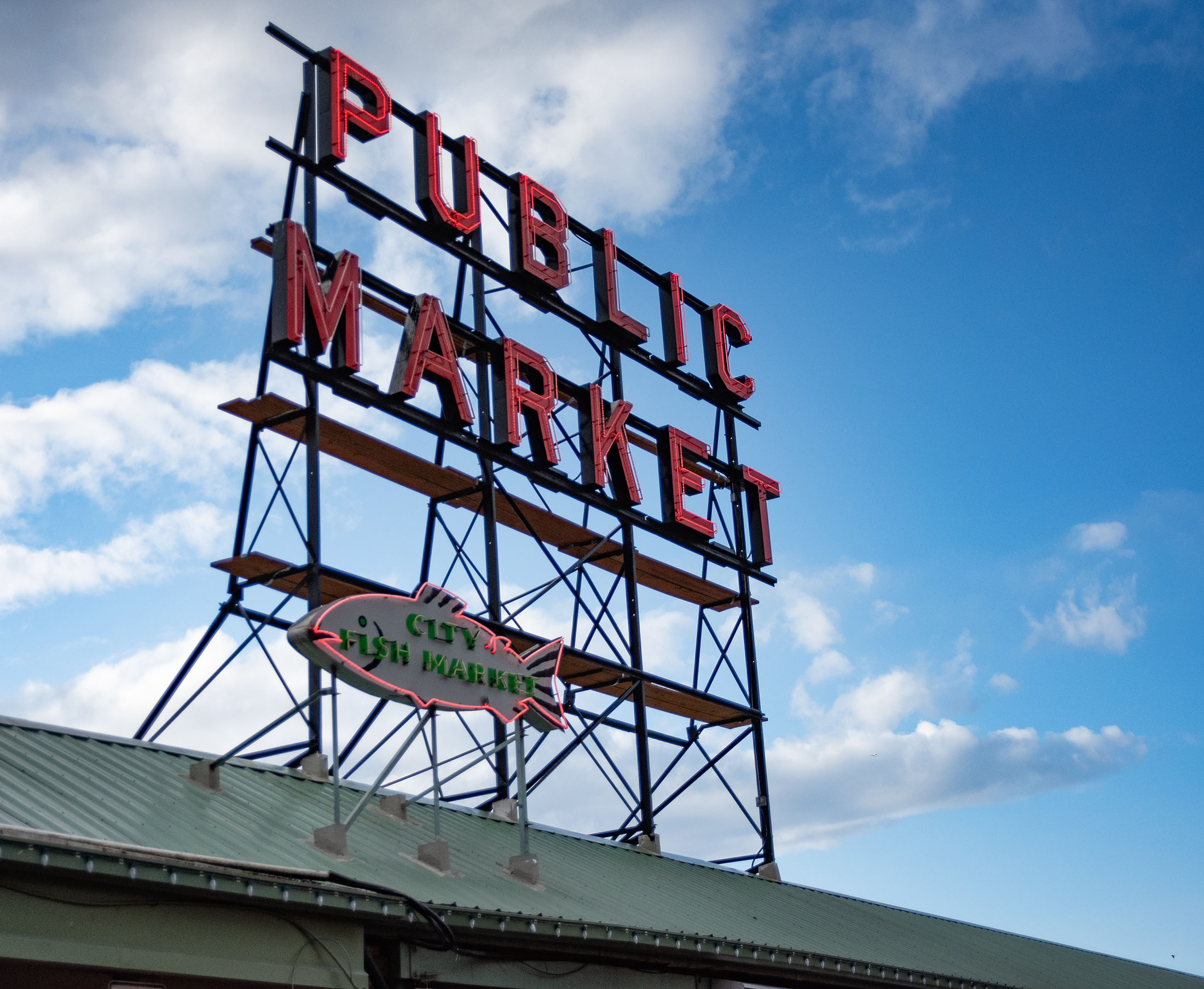 PIKE PLACE MARKET, The iconic, historic Pike Place Market offers a colorful array of farm-fresh foods, crafts, curiosities and more, in the heart of downtown overlooking Elliott Bay.