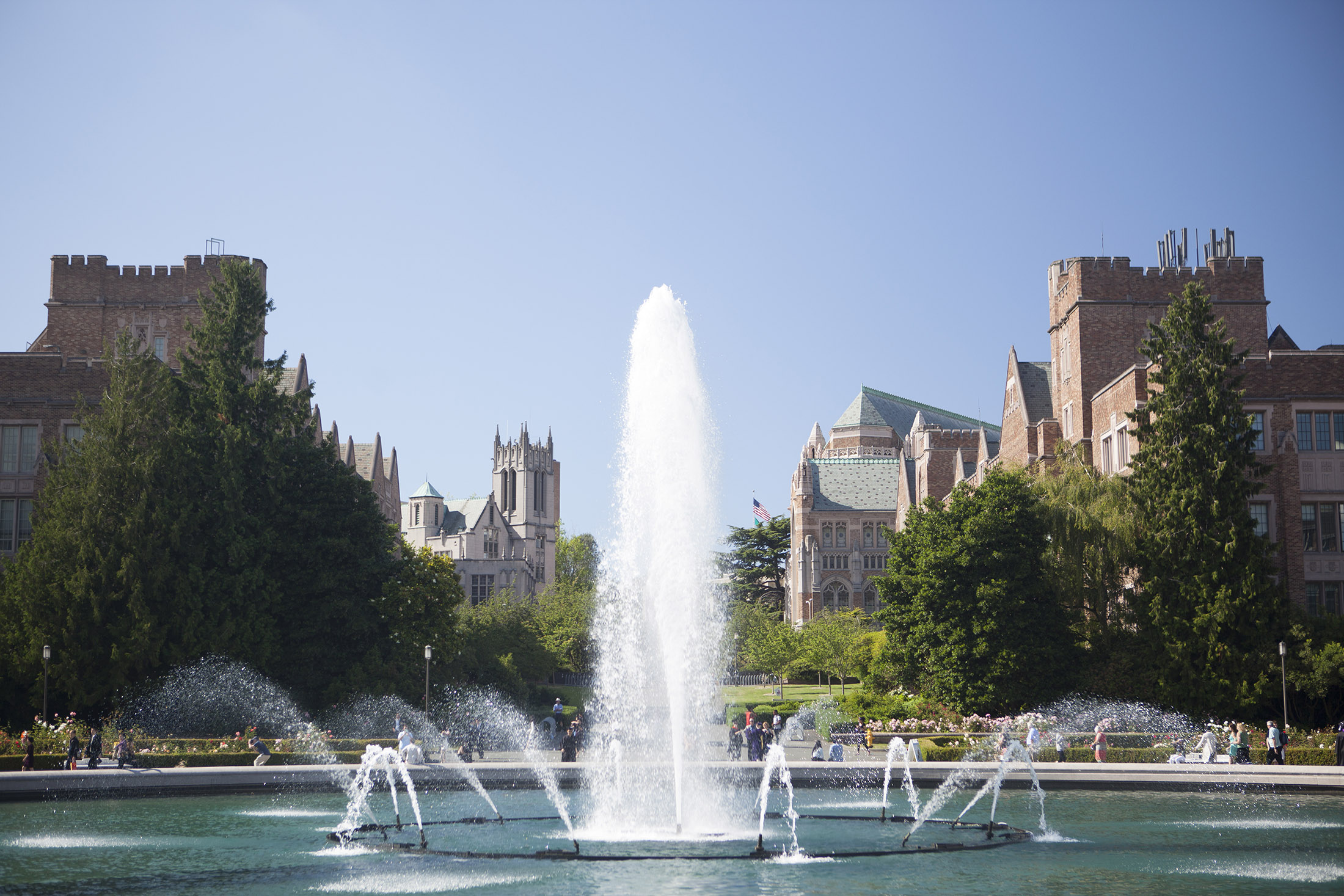Drumheller Fountain, #1 Most Picturesque College Fountain in the U.S. — LawnStarter, 2015